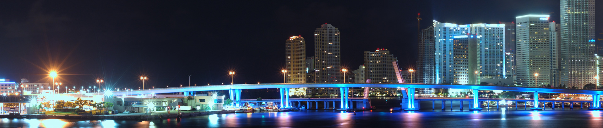 miami-downtown-at-night